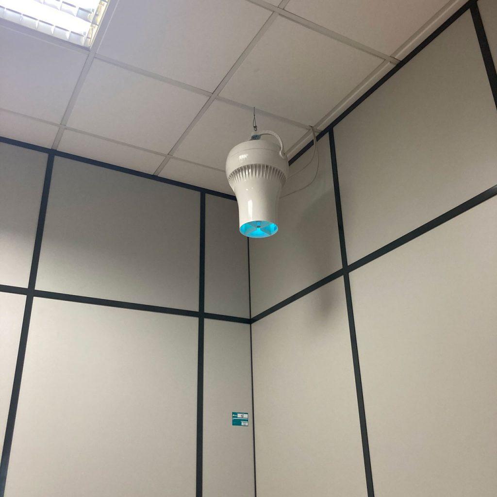 Airius PureAir Ventila Esterilizando Ar e Superfícies em um Edifício de Escritórios